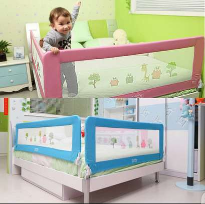 Kids Bed guard/ bed rail image 5
