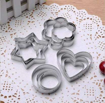 Pastry cutter image 1