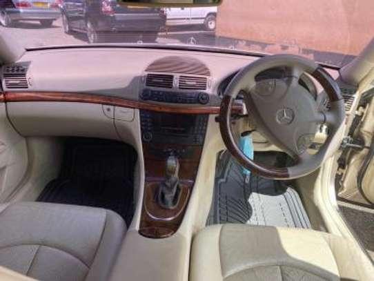 2005 Mercedes-Benz E200 KBT Auto Petrol 1.8litre. Super image 5