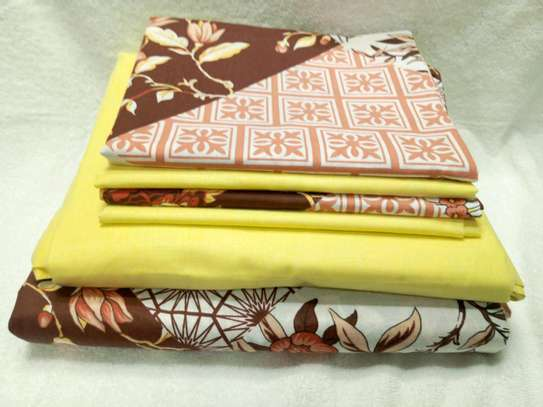 7  by 8 Boll & Branch Genuine Bedsheets with 1 Flat Sheet, 1 Fitted Sheet, and 4 Pillowcases image 1