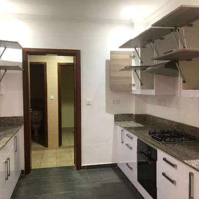 2 bed Apartment to let image 1