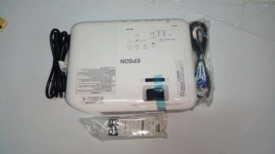 Epson Eb S05 Projector image 2