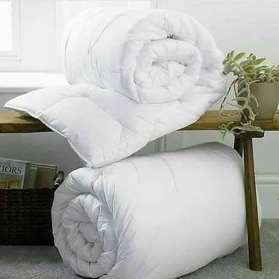 White-cotton duvet image 2