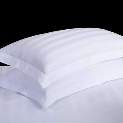 BED PILLOW image 2