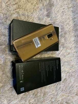 Samsung Galaxy S9 Plus  : 256 Gb & Galaxy Gear Fit image 1