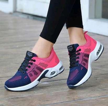 Klyt ladies sneakers image 3