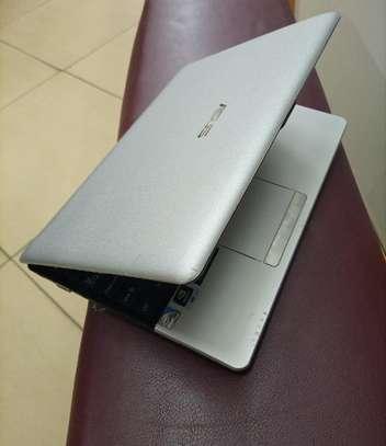 Laptop Asus Eee PC 1215N 4GB Intel Atom SSHD (Hybrid) 320GB image 2