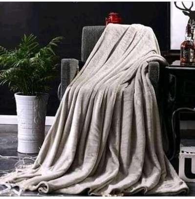 Warm cuddling fleece blanket image 1