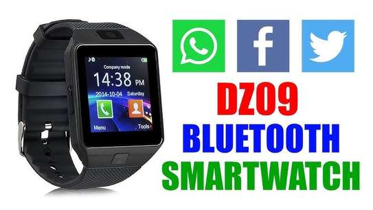 DZO9 smart watch with a touch screen image 1