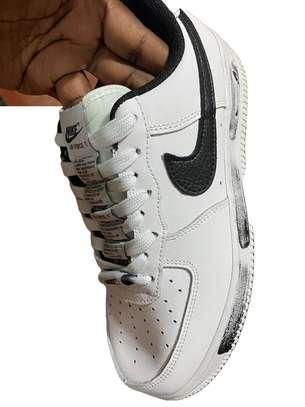 Peaceminusone Nike X Air Force 1 Low 'para?Noise' image 1
