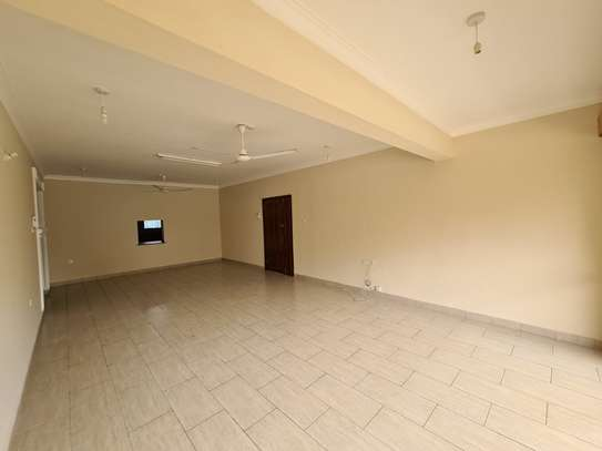 3 bedroom apartment for rent in Nyali Area image 6