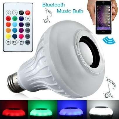 Color Bulb Light Bluetooth Control Smart Music Audio Speaker - White. image 1