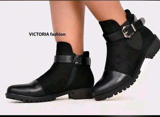 Victoria fashion boots image 1