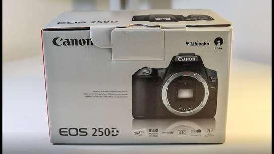 Canon 250D image 1