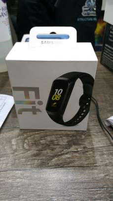 Samsung galaxy fit. image 4