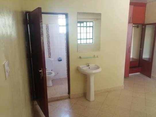 3 Bedroom all ensiute bungalow in Karen to let image 6