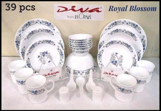 39pc dinner set/39pc diva dinner set/Dinner set/quadrant dinner set/Plates image 1