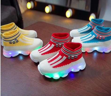 Kids sneakers image 3