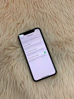 Apple Iphone 11 White  [ 256 Gigabytes ] image 4