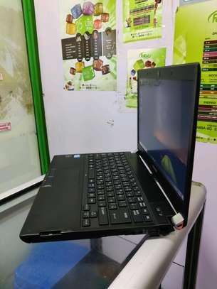 Toshiba Dynabook R732/H i5 image 3