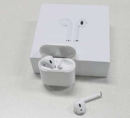 Apple AirPods 2 image 1