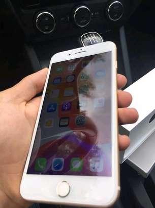 Apple Iphone 7 Plus Gold 256 Gigabytes Smartphone image 4