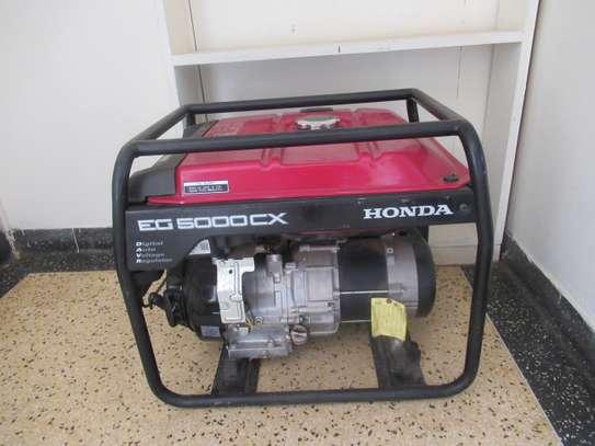 Honda generator for  HIRE ( 4.5 kv) image 1