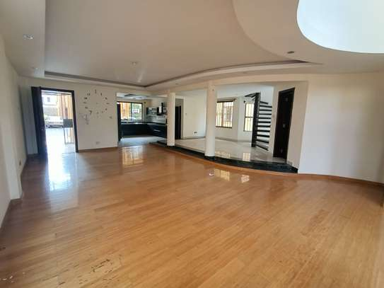 5 bedroom house for rent in Brookside image 6