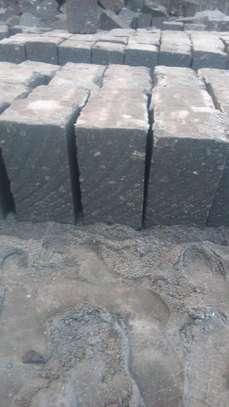 Cut machine stones image 1