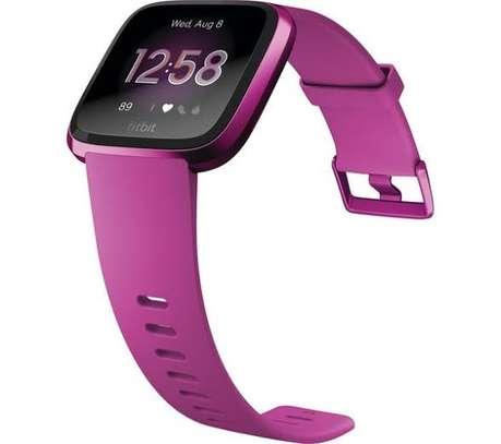 Fitbit Versa Lite Edition Smartwatch image 2
