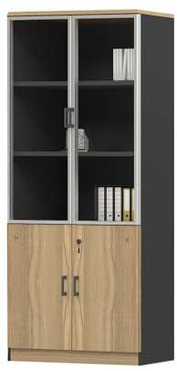 Brooklyn 2 Glass Doors Cabinet in Brown Oak