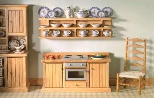Classic cabinets/kitchen cabinets company/inbuilt kitchen cabinets workmen image 2