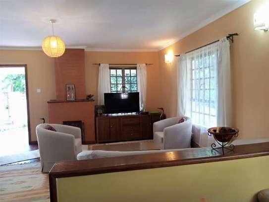 1 bedroom house for rent in Karen image 5