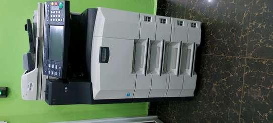 DURABLE  kyocera km2560 photocopier machine image 1