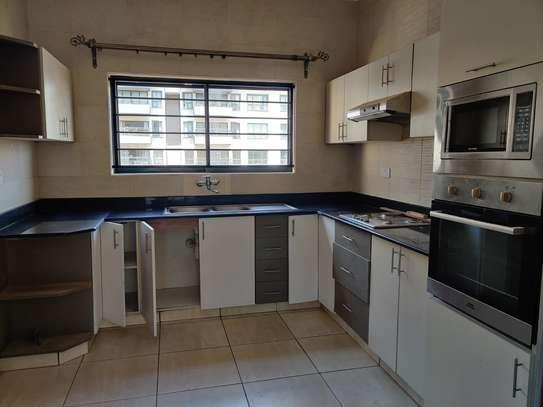 3 bedroom apartment for rent in Rhapta Road image 2