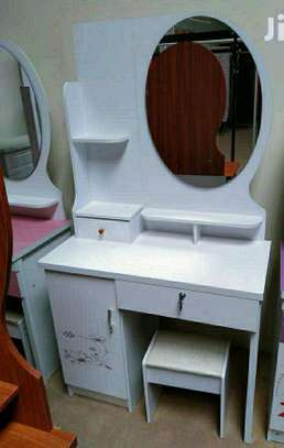 White dressing table image 1