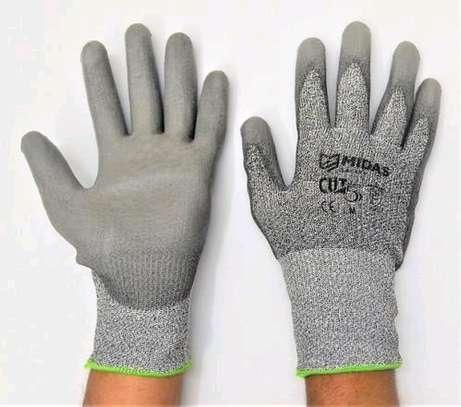 Cut resistant gloves image 1