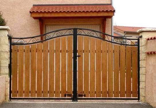 Modern gates image 2