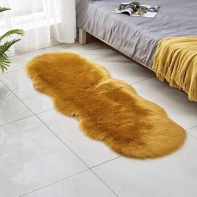 Bedside fur mat image 3