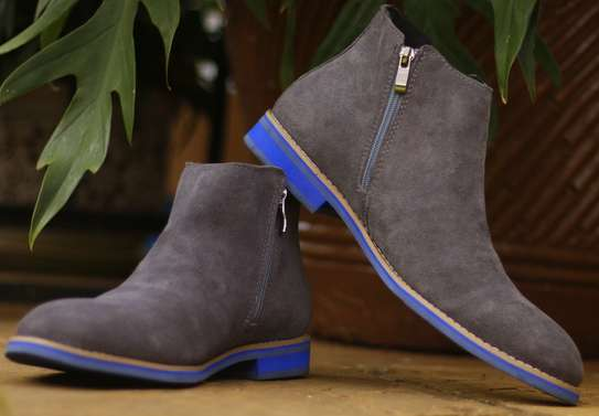 Chelsea boots image 3