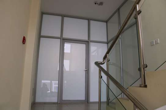 4000 ft² office for rent in Industrial Area image 7