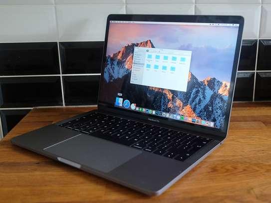 Macbook Pro 2017 13' image 2
