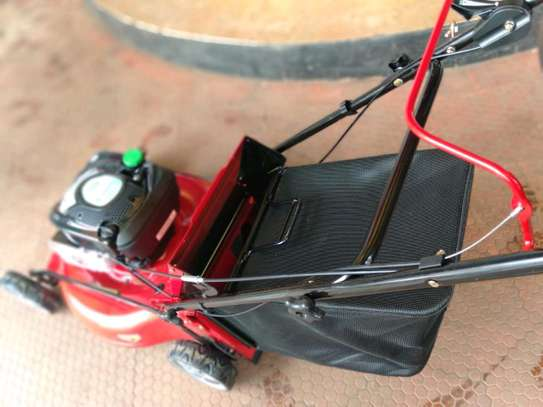 Self driven new lawn mower image 1