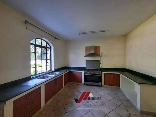 4 bedroom house for rent in Runda image 15