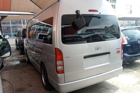 Toyota HiAce KDH222 image 4