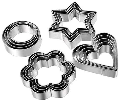 12pc stainless steel cookies cutyer image 1