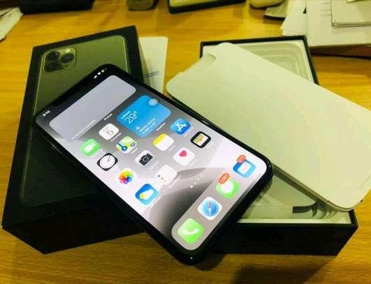 512GB Apple iPhone 11 Pro Midnight Green image 1