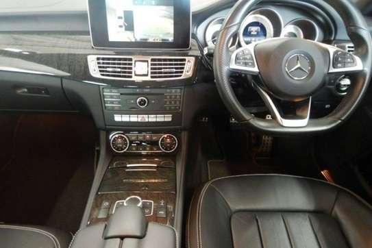 Mercedes-Benz CLS image 5