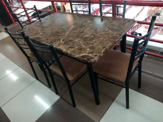 6seaters dining table image 1