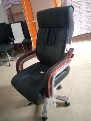 High back executive office seat image 1